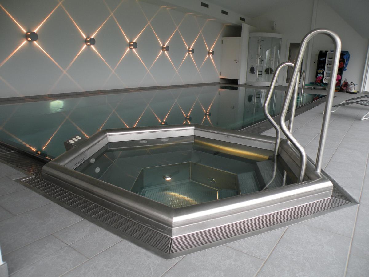 crea pool gmbh. Black Bedroom Furniture Sets. Home Design Ideas